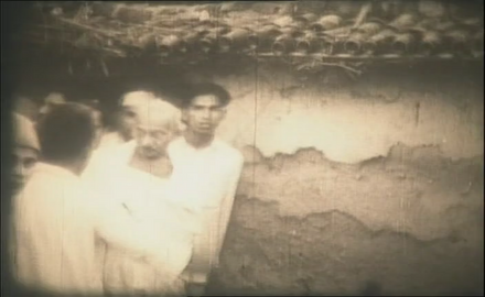 Gandhi The 20th Century Prophet Part-2 (4/5)